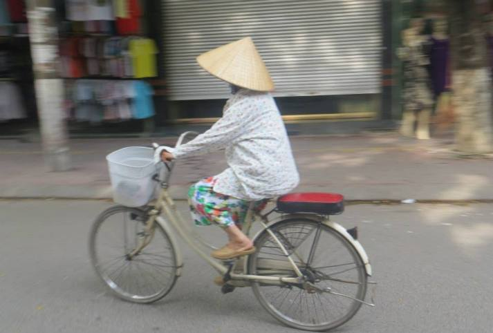 Wee old woman on her bike!